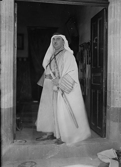 المؤرخ الفلسطيني الراحل عارف العارف