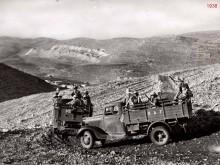 نابلس، سيارات دوريه بريطانيه على جبل جرزيم عام 1938